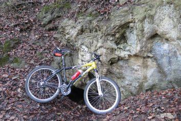 Jaskinia Bajka z zewnątrz