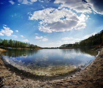 Jezioro w Borównie