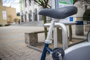 Maksymalne wyciągnięcie sztycy pozwala na komfortową jazdę osób o wzroście poniżej 170 cm