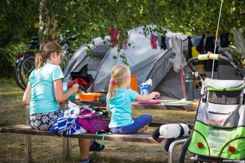 Na campingu
