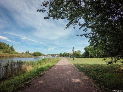 Greifswald – droga rowerowa wzdłuż rzeki