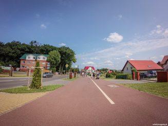 Szeroka droga rowerowa w Rewalu