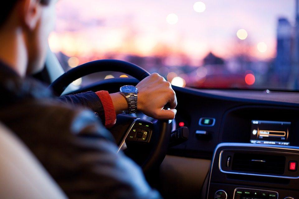 Sprawdź, jaki zapach wybrać do samochodu