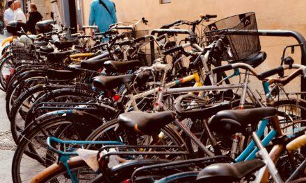 O czym należy pamiętać przed zakupem stojaka na roweru