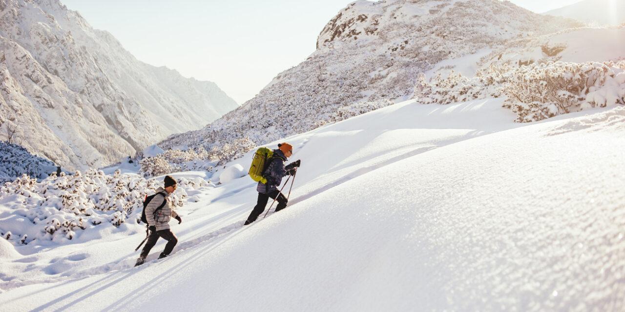 Tatry zimą. Jak się ubrać na zimowy trekking i co spakować do plecaka?