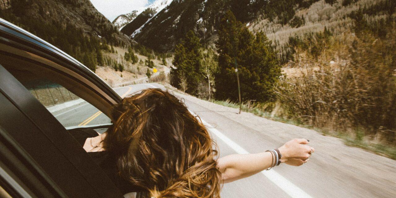 Jak przygotować się do długiej podróży samochodem?